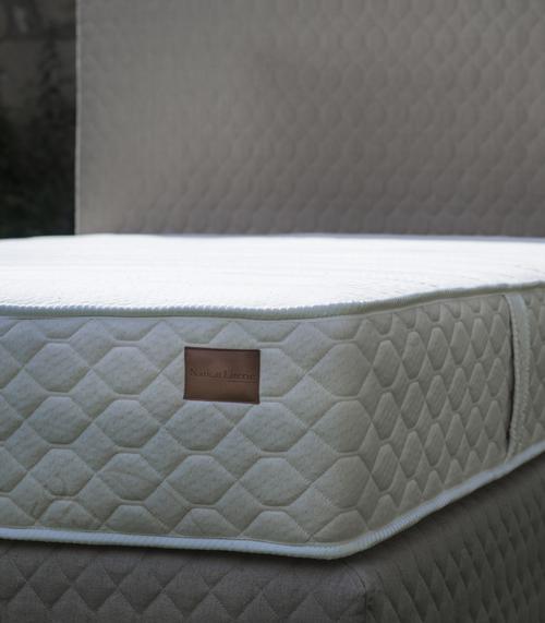 maison de la literie coignieres maison phenix la rochelle top maison de jardin occasion for. Black Bedroom Furniture Sets. Home Design Ideas